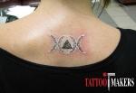 татуировка белой краской - три фазы луны