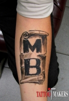 временная татуировка инициалы